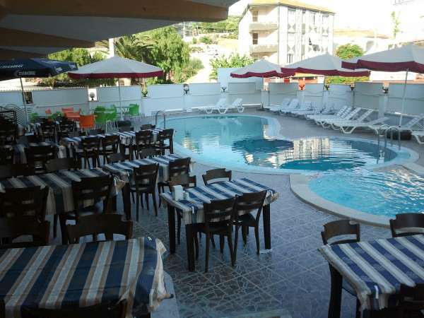 Letovanje Turska autobusom, Sarimsakli, Hotel Urgenc,restoran spolja