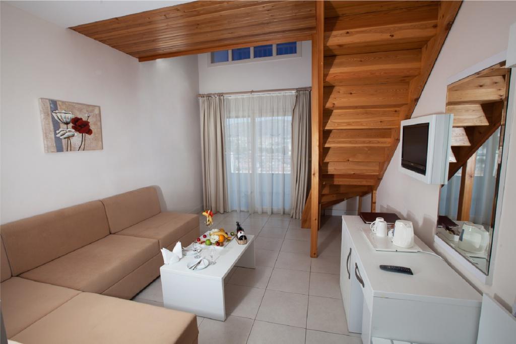 Letovanje Turska autobusom, Kusadasi, Hotel Batihan Beach resort&Spa,soba na dva vioa