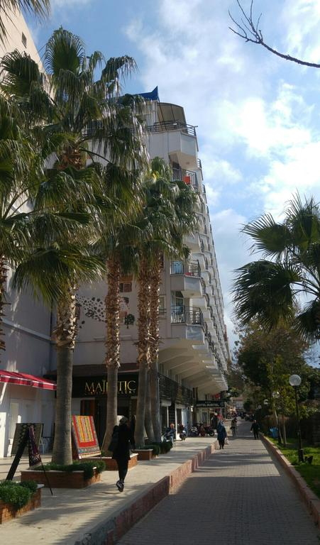 Letovanje Turska autobusom, Kusadasi, Hotel Surtel,spolja
