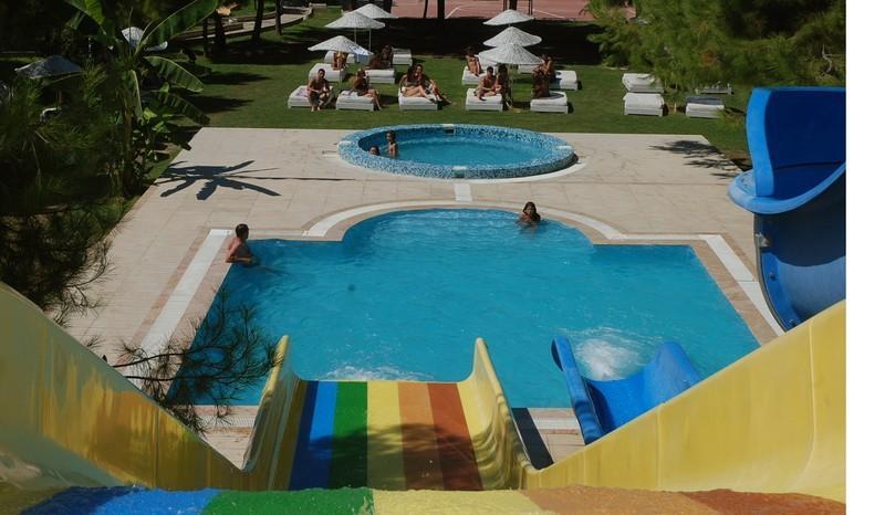Letovanje Turska autobusom, Kusadasi, Hotel Flora family suites,bazen i tobagan