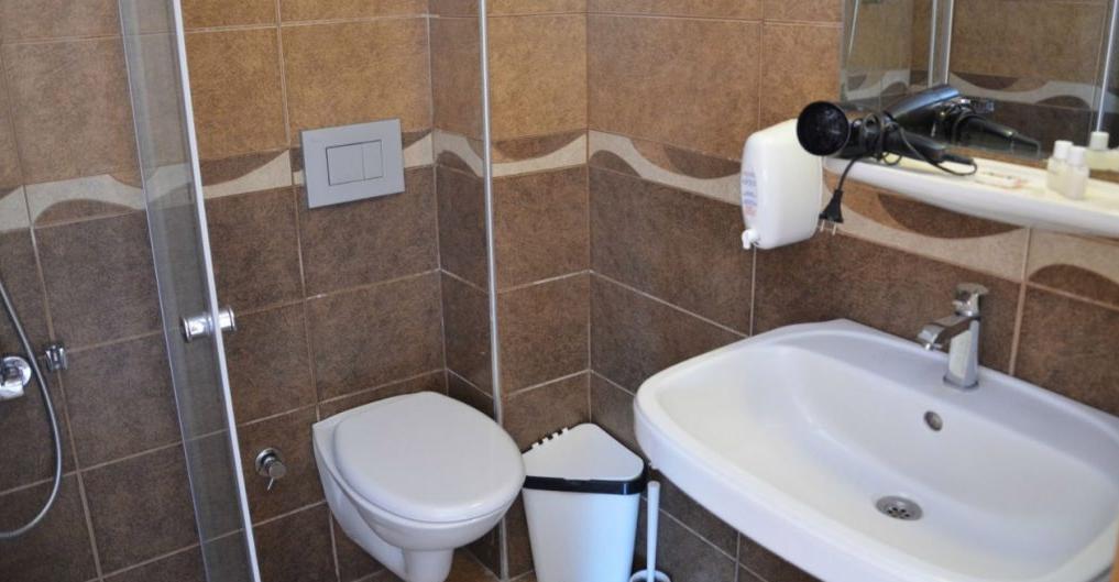 Letovanje Turska autobusom, Sarimsakli, Hotel Varol,toalet