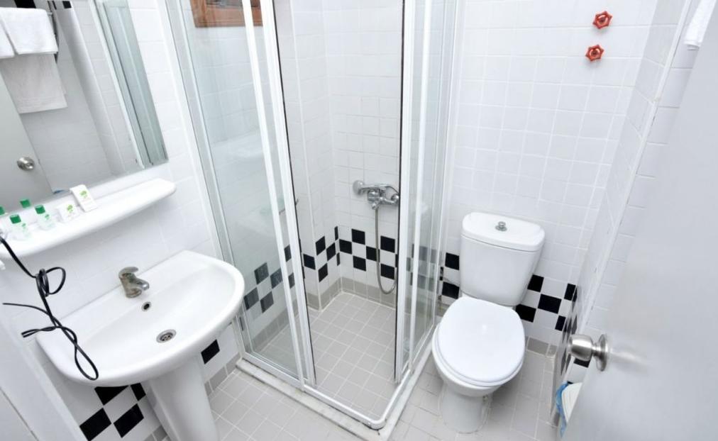 Letovanje Turska autobusom, Sarimsakli, Hotel Varol,kupatilo
