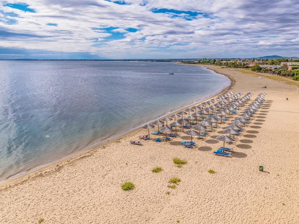 Grcka hoteli letovanje, Halkidiki, GerakiniAcross Coral Blue Beach ,plaža
