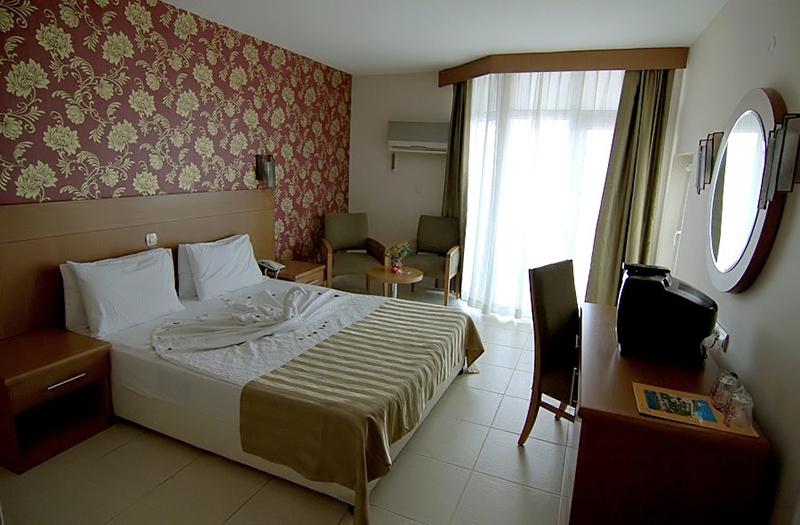 Letovanje Turska autobusom, Kusadasi, Hotel Surtel,izgled sobe