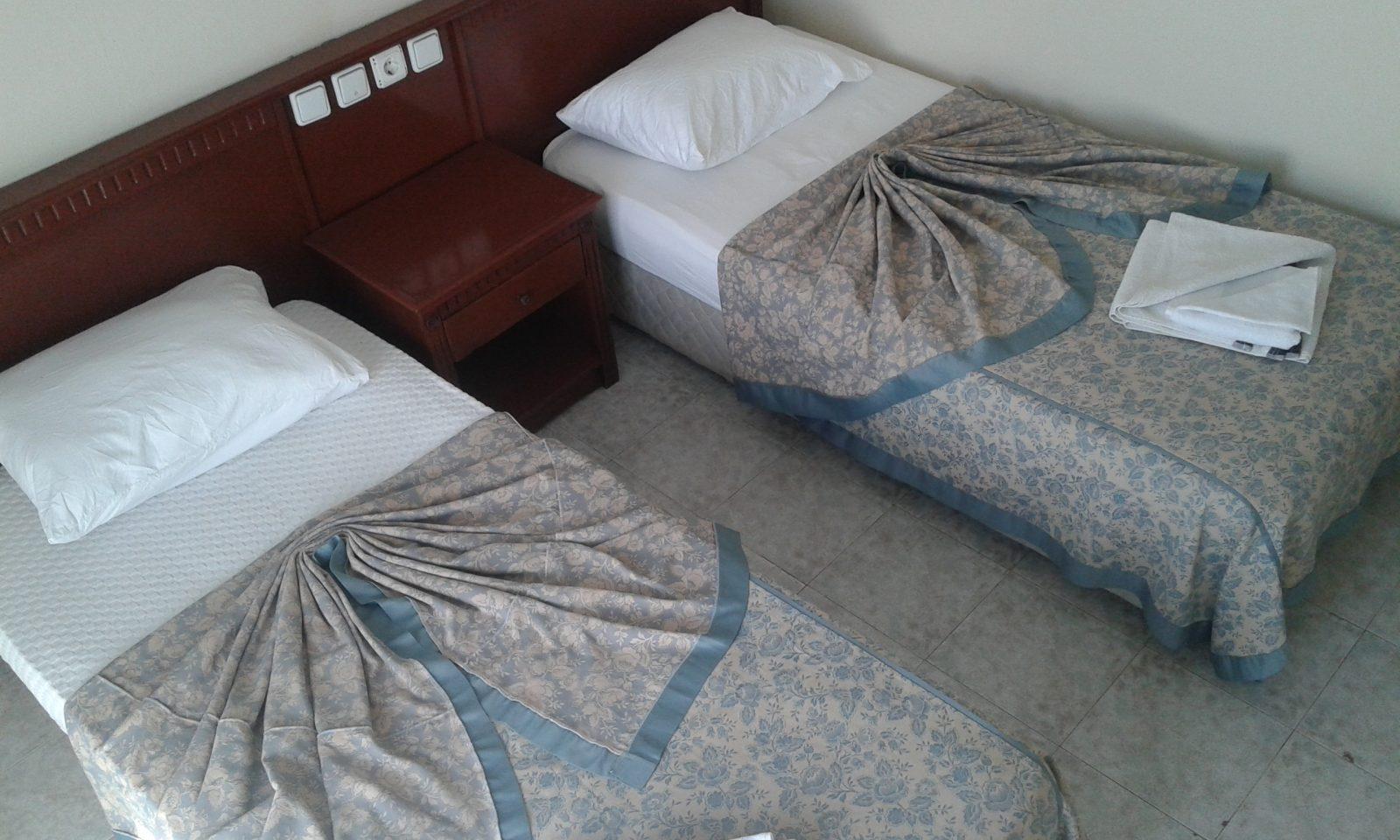 Letovanje Turska autobusom, Kusadasi, Hotel Tecimen,nameštena dvokrevetna soba