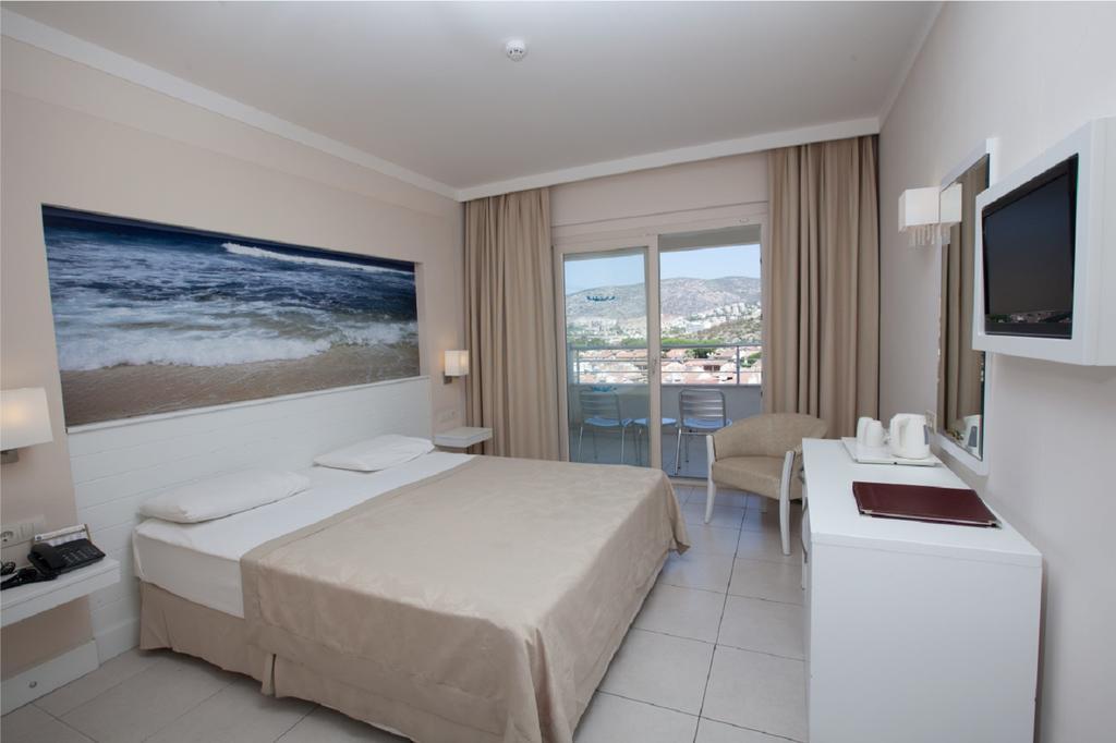 Letovanje Turska autobusom, Kusadasi, Hotel Batihan Beach resort&Spa,soba sa francuskim ležajem