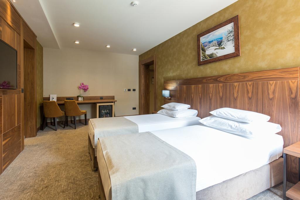 Kopaonik, zimovanje, smeštaj, Grand hotel & spa, spavaca soba