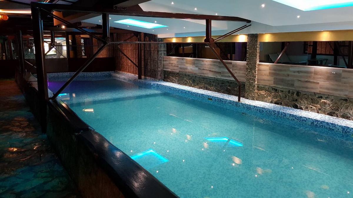 Zlatibor, zimovanje, smeštaj, Klub satelit, izgled bazena