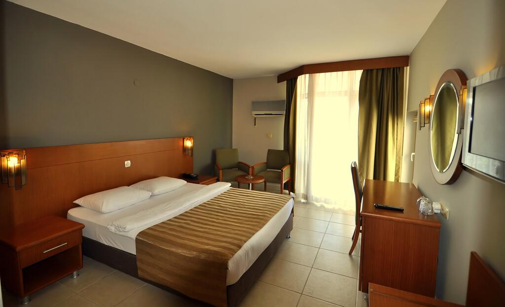 Letovanje Turska autobusom, Kusadasi, Hotel Surtel,soba sa francuskim ležajem