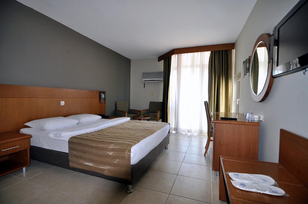 Letovanje Turska autobusom, Kusadasi, Hotel Surtel,izgled hotelske sobe