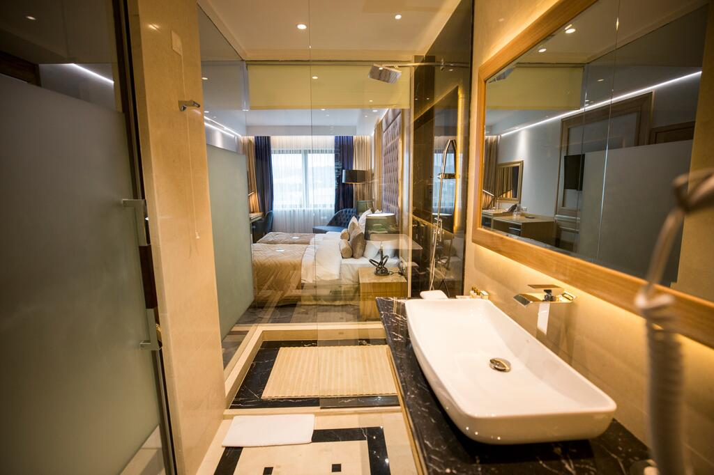 Zlatibor, zimovanje, smeštaj, Grand hotel Tornik, kupatilo
