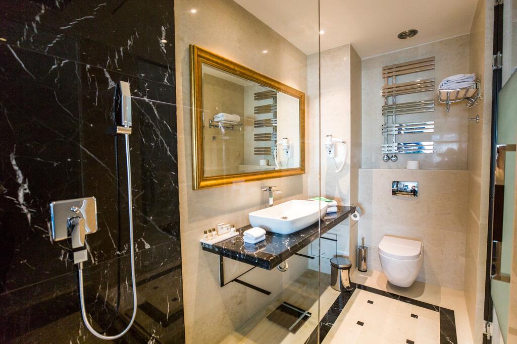 Zlatibor, zimovanje, smeštaj, Grand hotel Tornik, izgled izgled kupatila