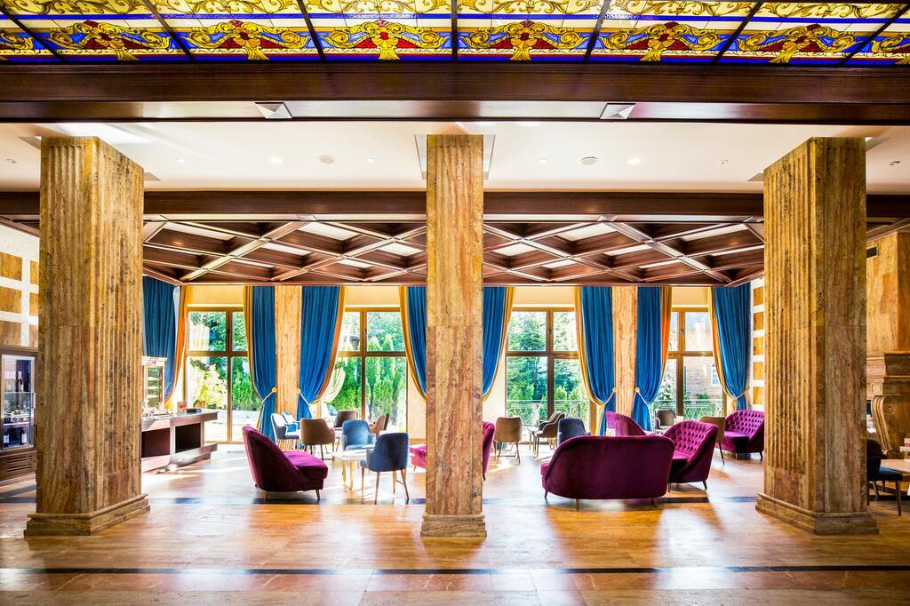 Zlatibor, zimovanje, smeštaj, Grand hotel Tornik, prostor pored recepcije