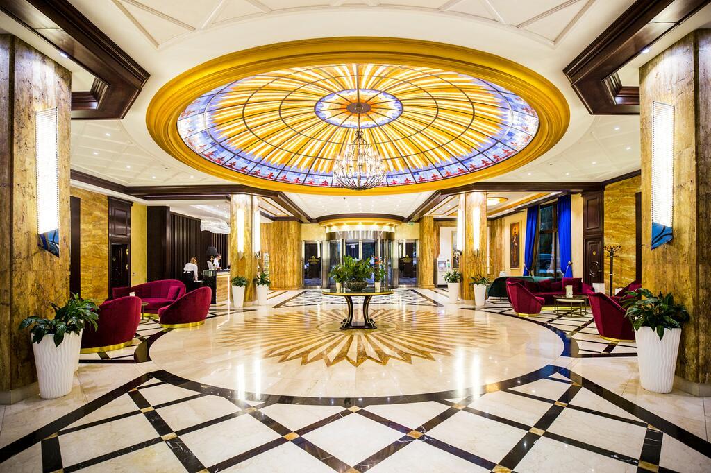 Zlatibor, zimovanje, smeštaj, Grand hotel Tornik, deo pored recepcije