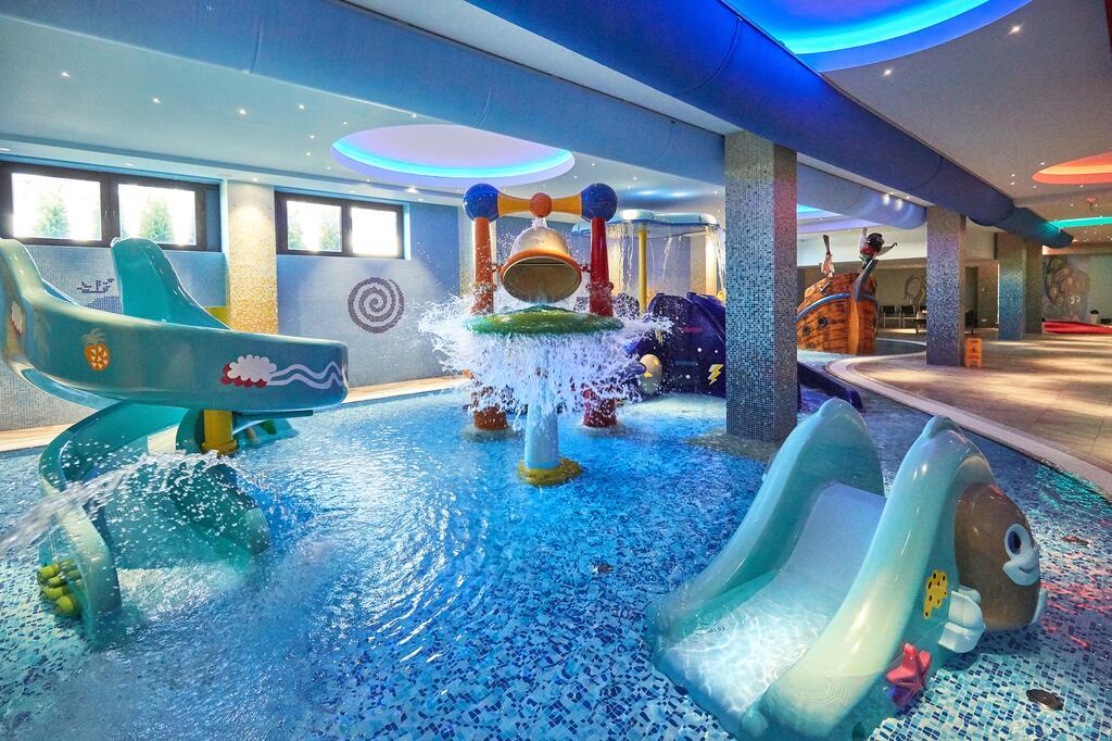 Zlatibor, zimovanje, smeštaj, Grand hotel Tornik, deciji bazen