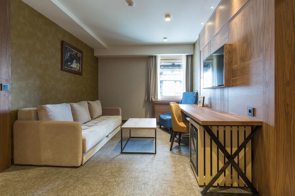 Kopaonik, zimovanje, smeštaj, Grand hotel & spa, soba