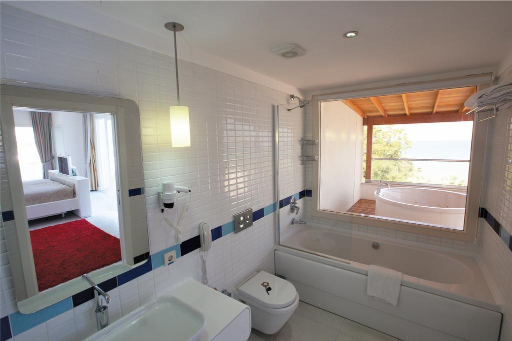 Letovanje Turska autobusom, Kusadasi, Hotel Batihan Beach resort&Spa,kupatilo