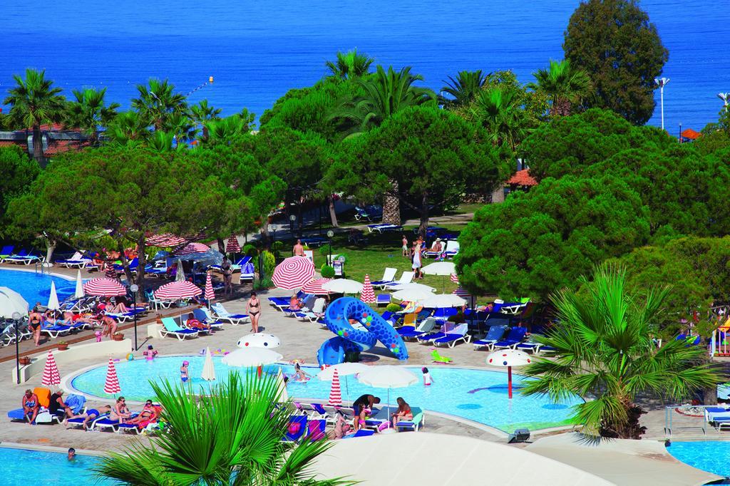 Letovanje Turska autobusom, Kusadasi, Hotel Batihan Beach resort&Spa,hotelski bazeni