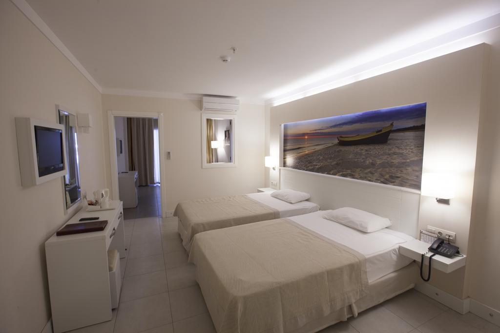 Letovanje Turska autobusom, Kusadasi, Hotel Batihan Beach resort&Spa,soba