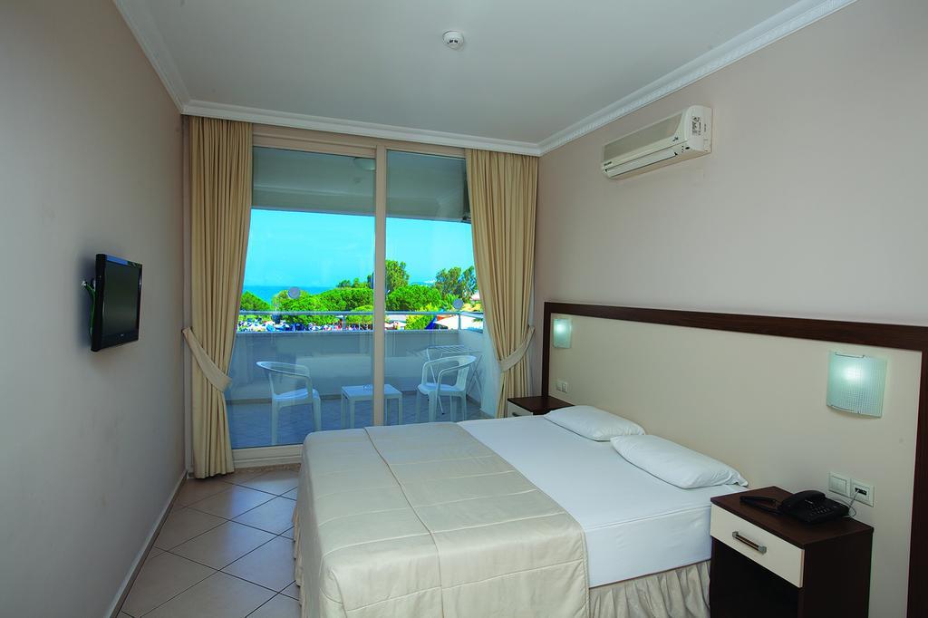 Letovanje Turska autobusom, Kusadasi, Hotel Batihan Beach resort&Spa,soba sa terasom