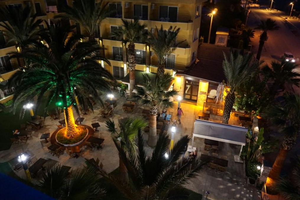 Letovanje Turska autobusom, Sarimsakli, Hotel Varol,noćna panorama