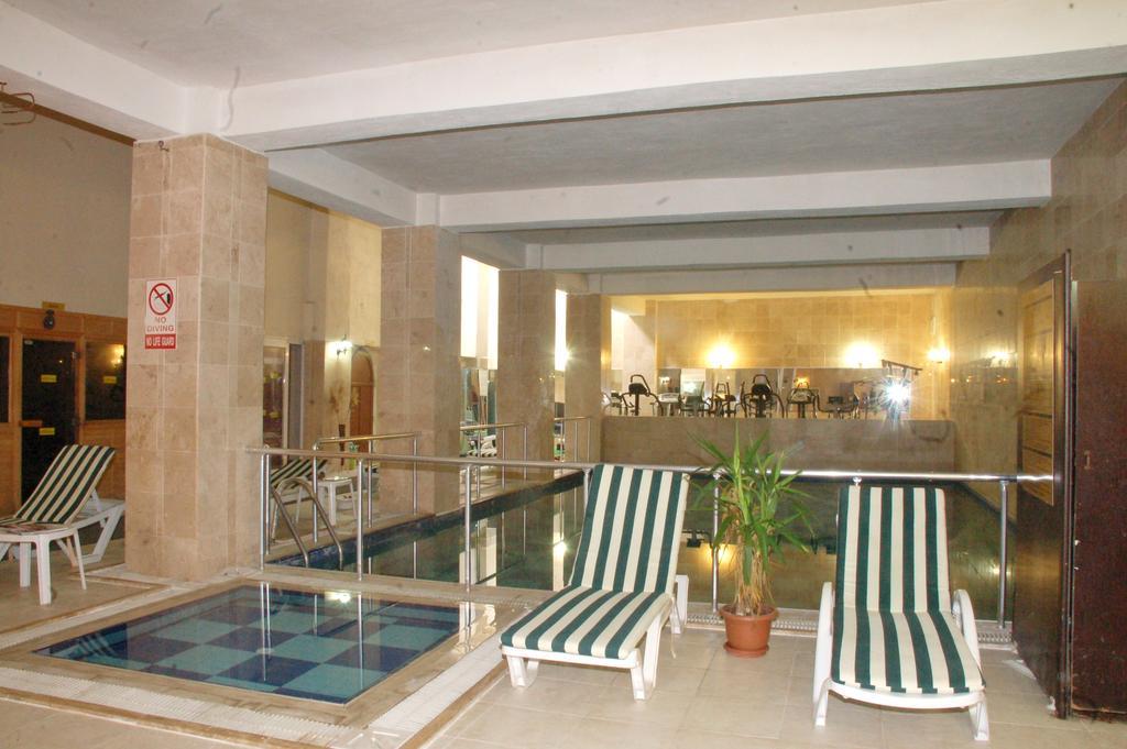 Letovanje Turska autobusom, Kusadasi, Hotel Arora,unutrašnji bazen