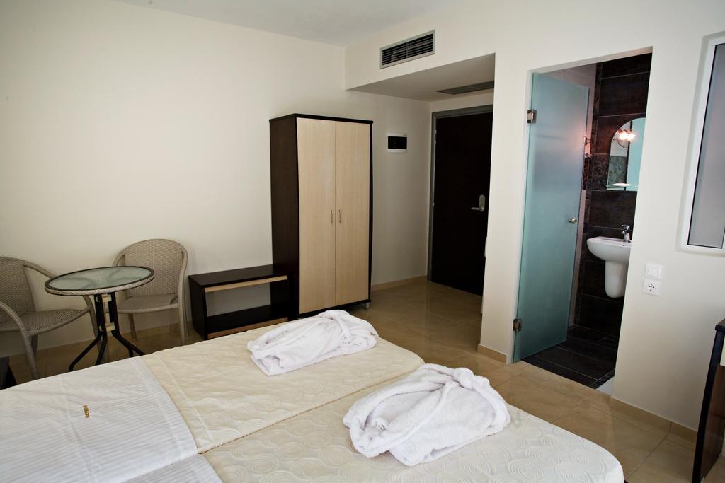 Grcka hoteli letovanje, Paralia, RG Status, spavaca soba