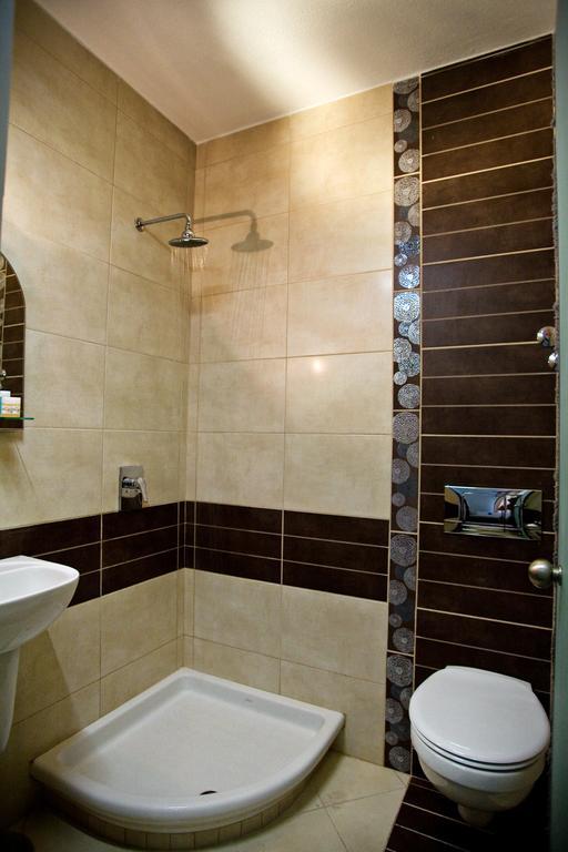 Grcka hoteli letovanje, Paralia, RG Status, kupatilo