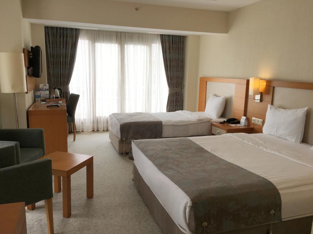 Letovanje Turska avionom, Kumburgaz, hotel Mercia, trokrevetna soba sa tri standardna ležaja