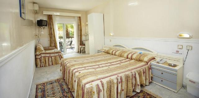 Grcka hoteli letovanje, Halkidiki, Grand Victoria,Hanioti,soba sa francuskim ležajem
