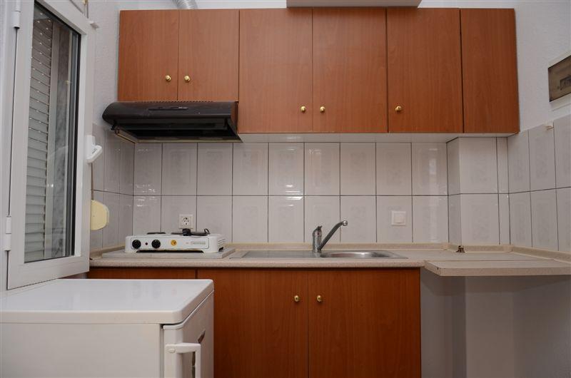 Grcka apartmani letovanje, Nea Vrasna, Stela, kuhinja izgled