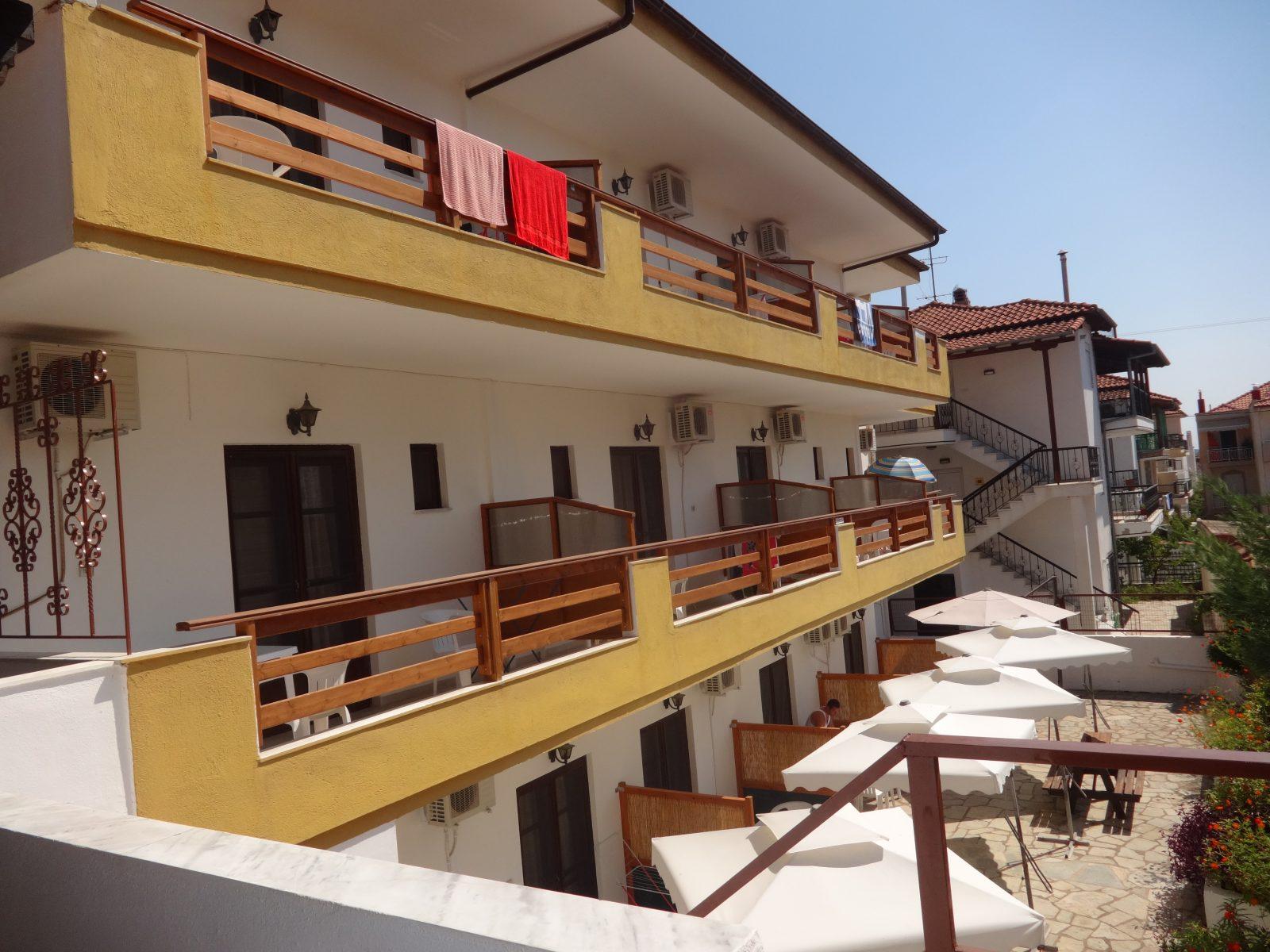 Grcka apartmani letovanje, Nea Flogita Halkidiki, Pirgioti, pogled sa terase