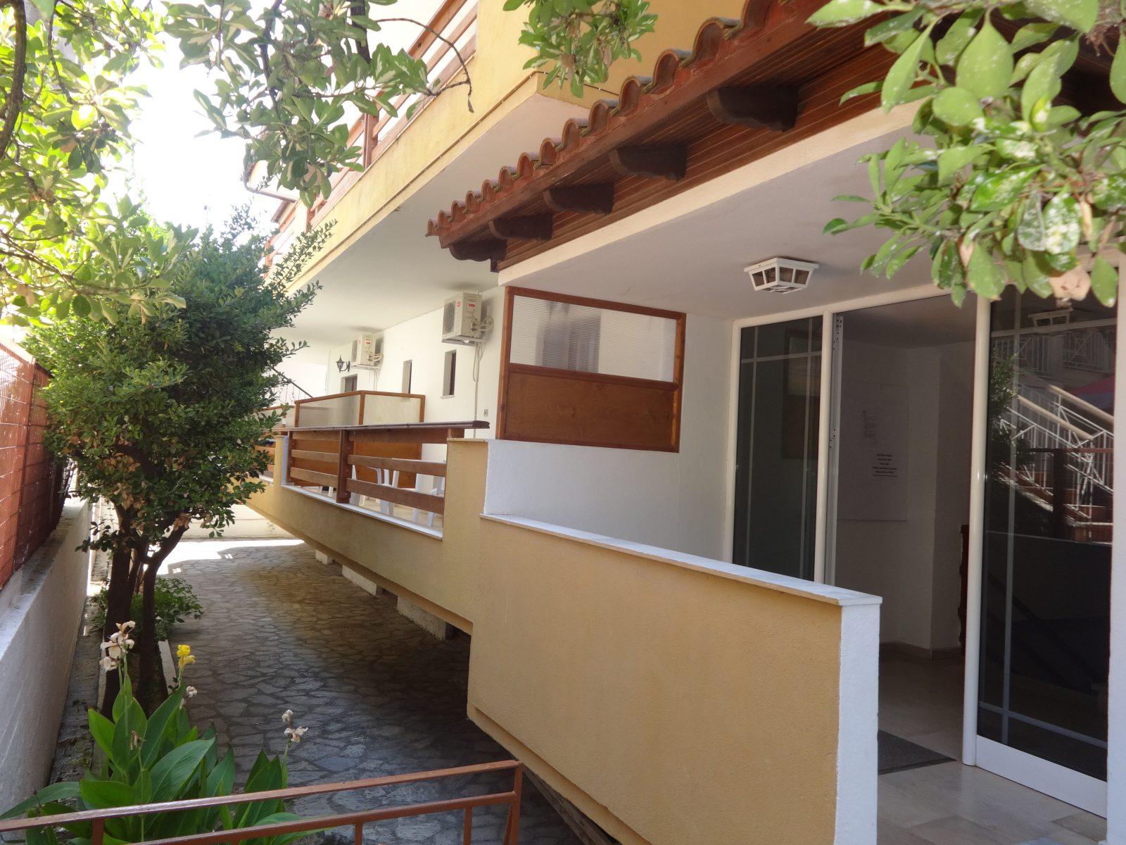 Grcka apartmani letovanje, Nea Flogita Halkidiki, Pirgioti, terase
