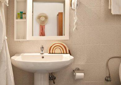 Grcka hoteli letovanje, Halkidiki, Elia Beach,Acrotel Elea Beach,kupatilo u sobi
