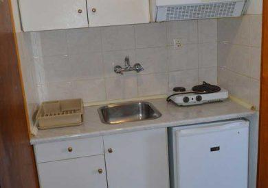 Grcka apartmani letovanje, Pefki Evia, Feggeros, mini čajna kuhinja studia S3