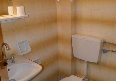Grcka apartmani letovanje, Pefki Evia, Feggeros, kupatilo