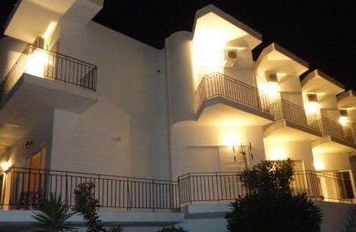 Grcka hoteli letovanje, Vrachos Beach, Hotel Mirto, eksterijer