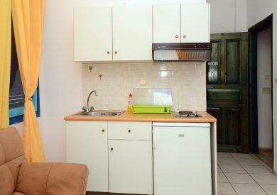 Grcka apartmani letovanje, Parga,Janis, kuhinja u apartmanu