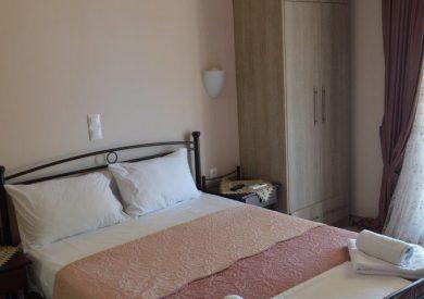 Spavaća soba jedan  veći ležaj