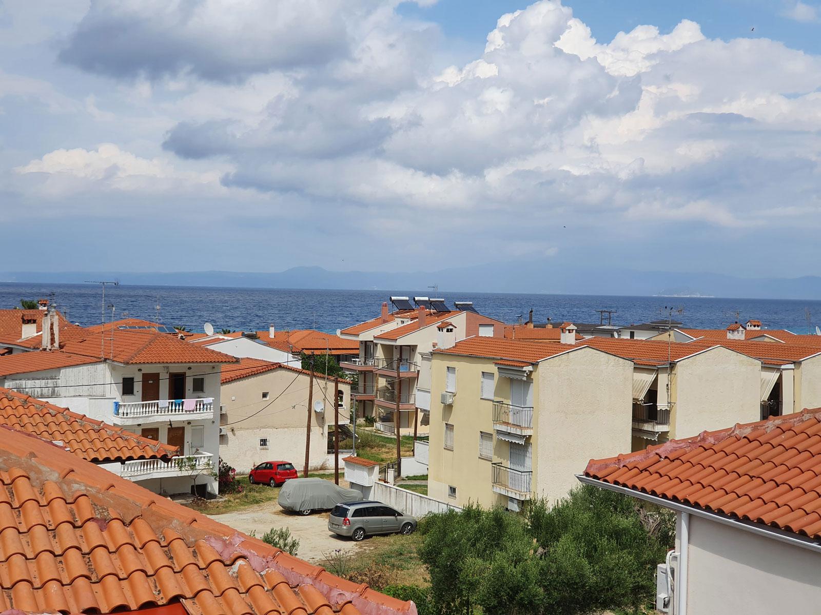 Grcka apartmani letovanje, Polihrono Halkidiki, Green Gardens,, pogled na more sa vrha kuće A