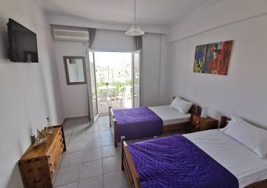 Grcka apartmani letovanje, Polihrono Halkidiki, Green Gardens, spavaća soba pogled