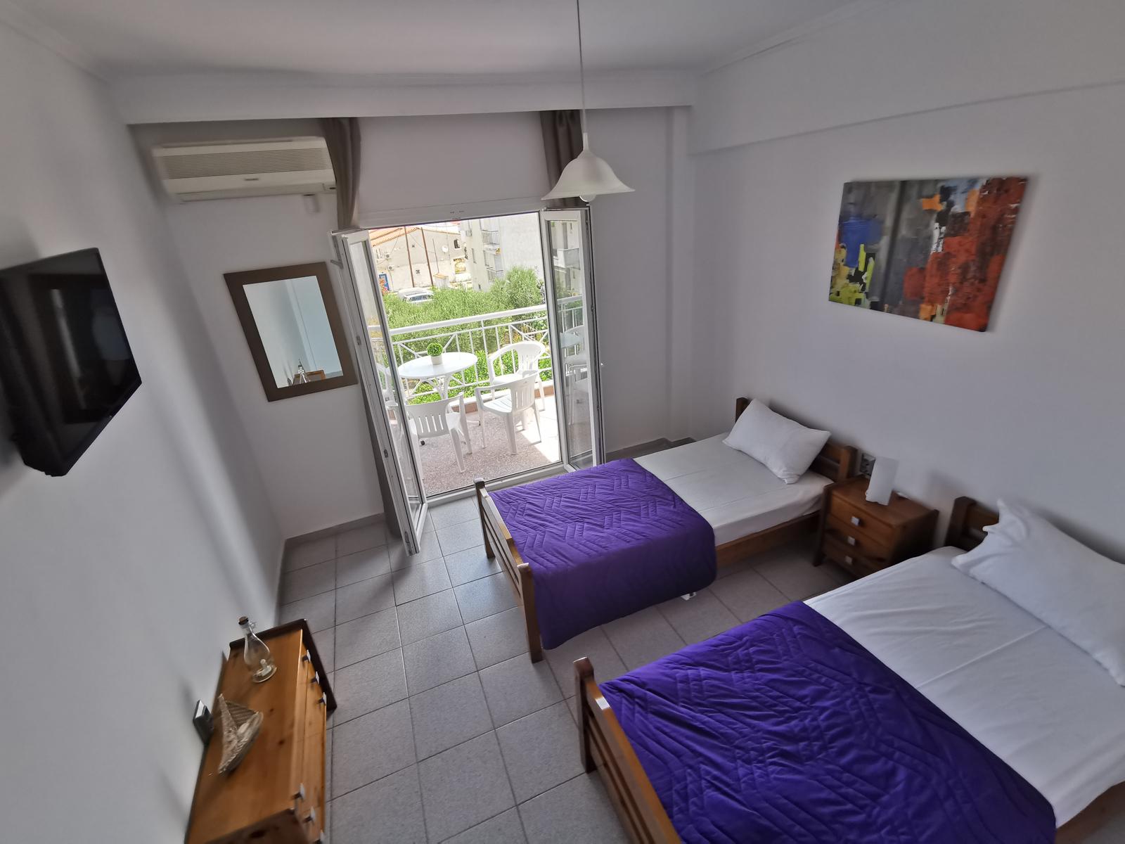 Grcka apartmani letovanje, Polihrono Halkidiki, Green Gardens,spavaća soba