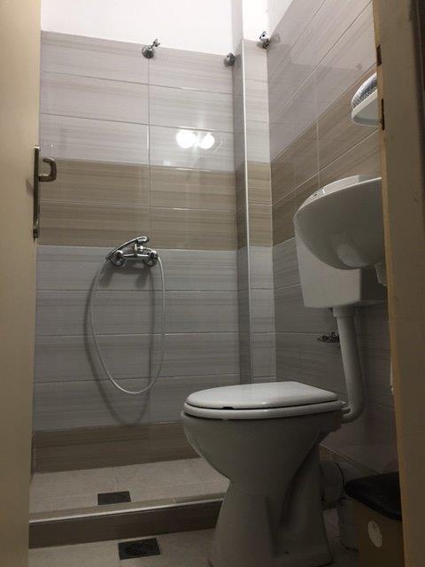 Grcka apartmani letovanje, Pefkari, Tasos, Pefkari Bay, kupatilo tuš S4SV
