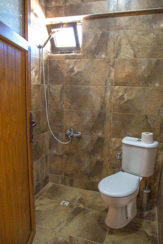 Letovanje Turska autobusom, Kusadasi, Hotel Sarikaya,kupatilo