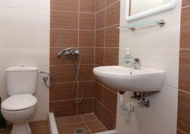 Grcka apartmani letovanje, Parga, xenia, izgled kupatilo