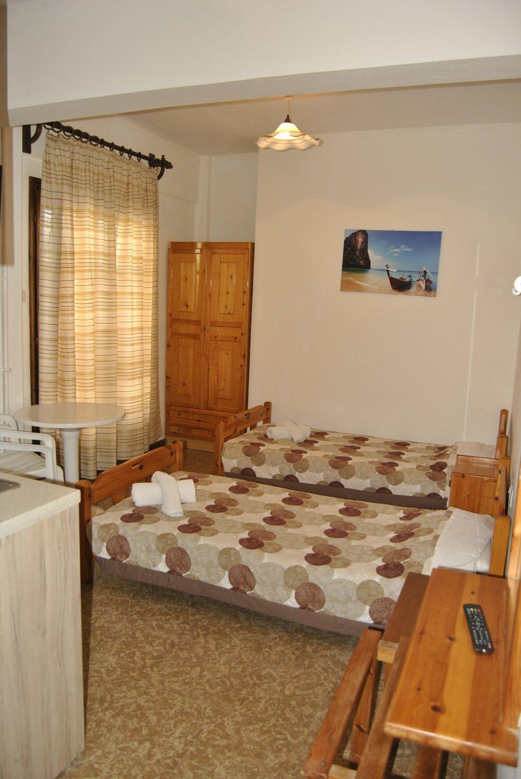 Grcka apartmani letovanje, Nea Flogita Halkidiki, Pirgioti, krevet