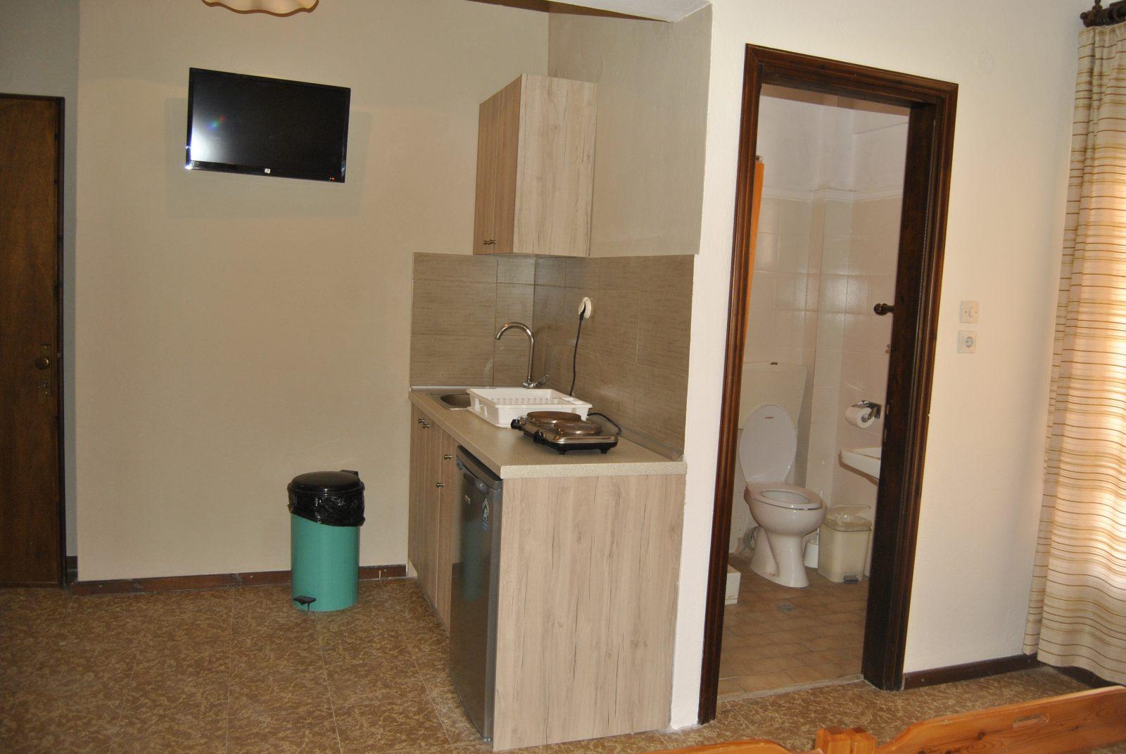 Grcka apartmani letovanje, Nea Flogita Halkidiki, Pirgioti, izgled kuhinje