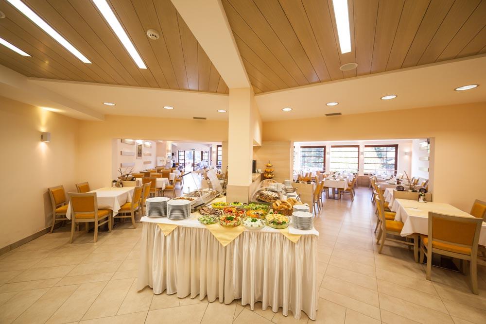 Zlatibor, zimovanje, smeštaj, Odmaralište Dunav Turist, restoran