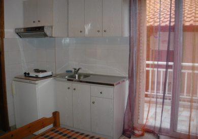 Grcka apartmani letovanje, Nea Vrasna, Aglaia, izgled kuhinjskog prostora