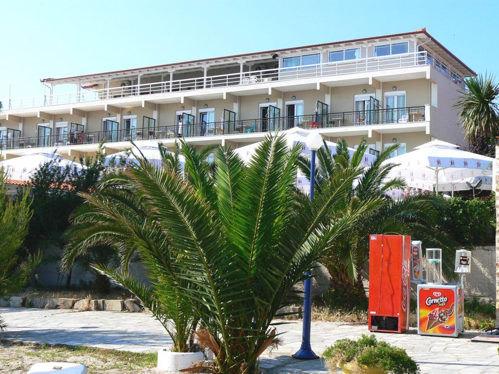 Grcka hoteli letovanje, Halkidiki,  Hanioti Grand Hotel spolja
